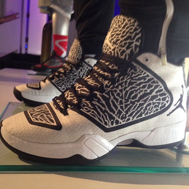air-jordan-xx9-29-white-elephant-holiday-2014-01