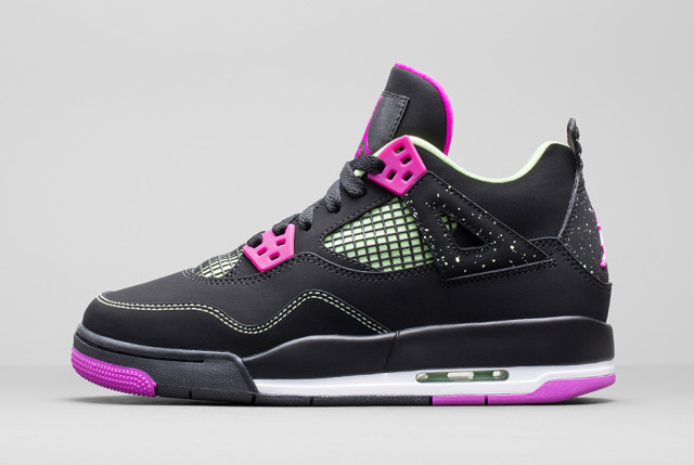 air-jordan-4-girls-black-mint-2015-11