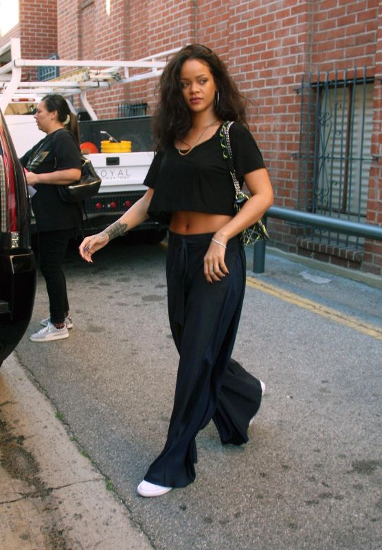 rihanna-beverly-hills-dior-bag-acne-trousers
