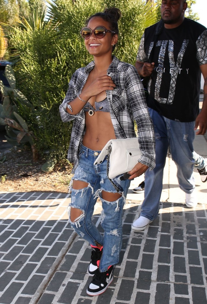 christina-milian-in-ripped-jeans-out-in-los-angeles-april-2015_6