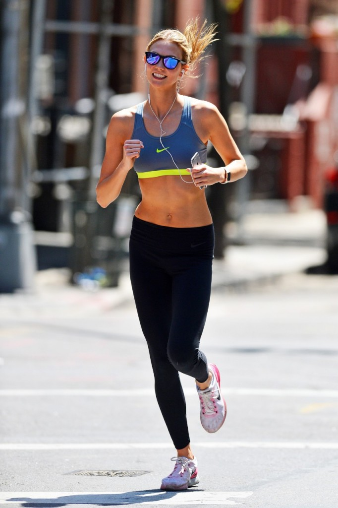 karlie-kloss-running-in-new-york-pic200245
