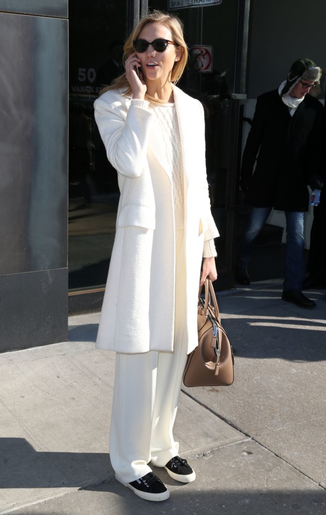 karlie-kloss-fashion-out-in-new-york-city-february-2015_3