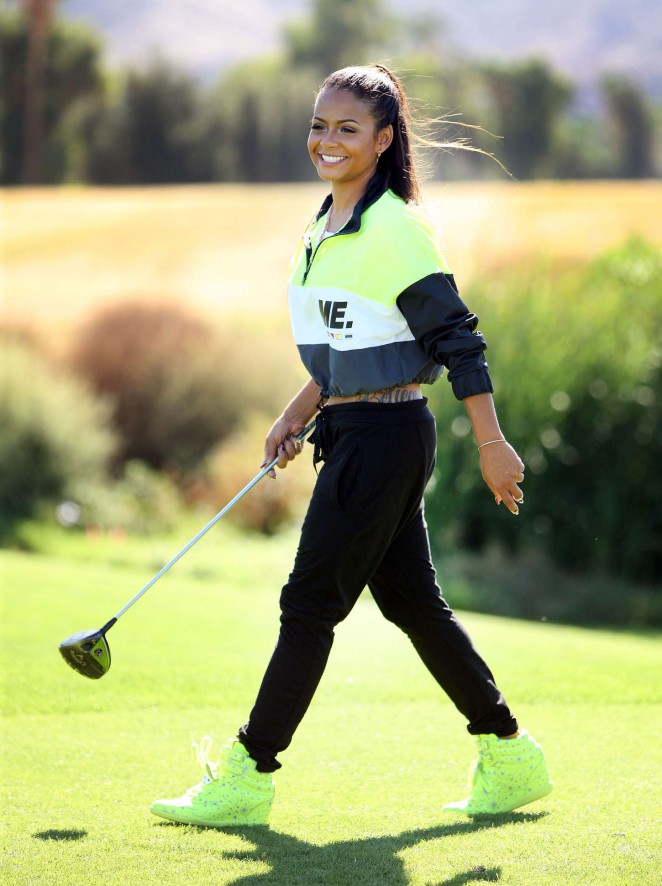 Christina-Milian-Golf-Course-05-662x886