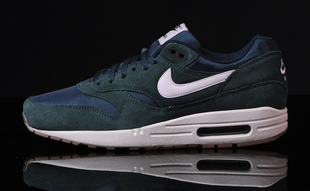buy online 0bd8e d659a Nike-Air-Max-1-Essential-pro-green-5