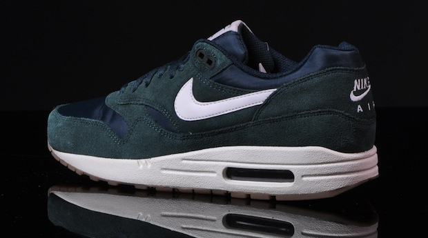 Nike-Air-Max-1-Essential-pro-green-2