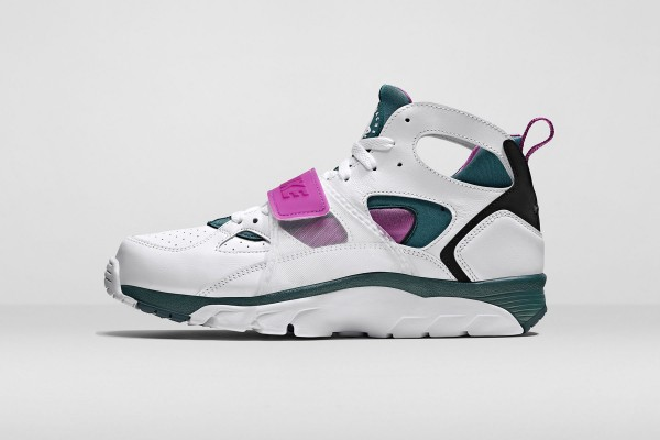 nike-air-flight-huarache-trainer-3-600x400