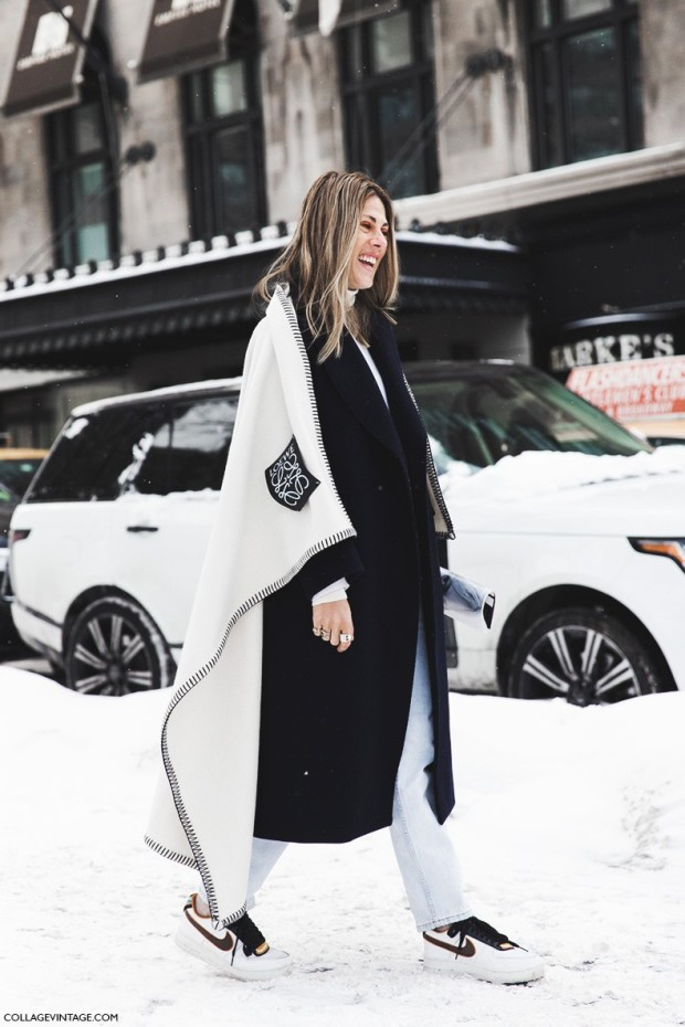 New_York_Fashion_Week-Fall_Winter_2015-Street_Style-NYFW-loewe_Cape-Nike-Sneakers--790x1185