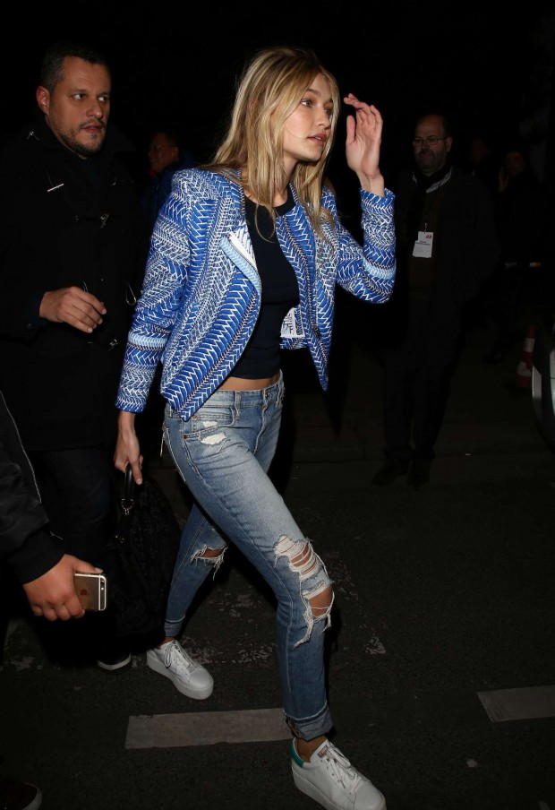 Gigi-Hadid--In-ripped-Jeans-seen-out-in-Paris-08-620x904