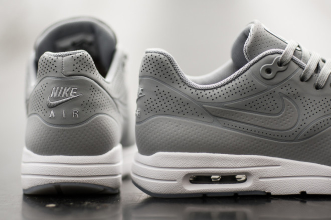 nike-air-max-1-ultra-moire-wolf-grey-03-960x640