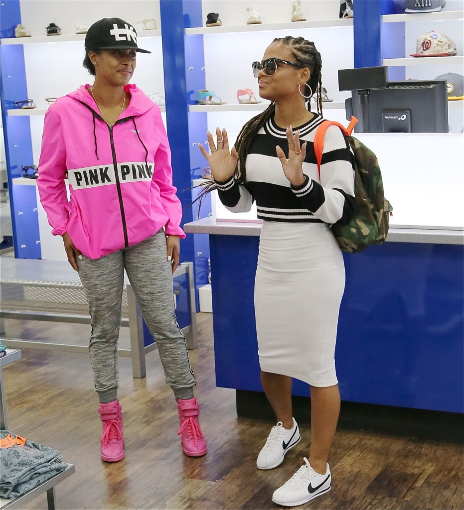 christina-milian-sneaker-shopping-in-los-angeles-april-2015_3