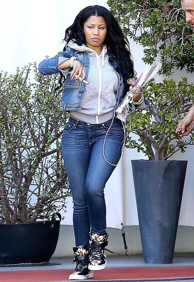 Nicki-Minajs-LA-Givenchy-Floral-Sneakers