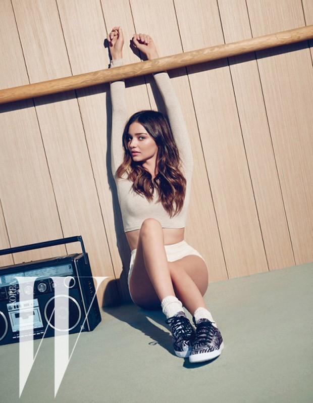 Miranda-Kerr-W-Korea-06-620x798