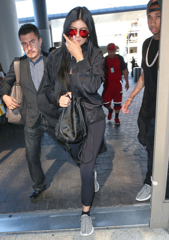 kylie-jenner-lax-airport-pic205277