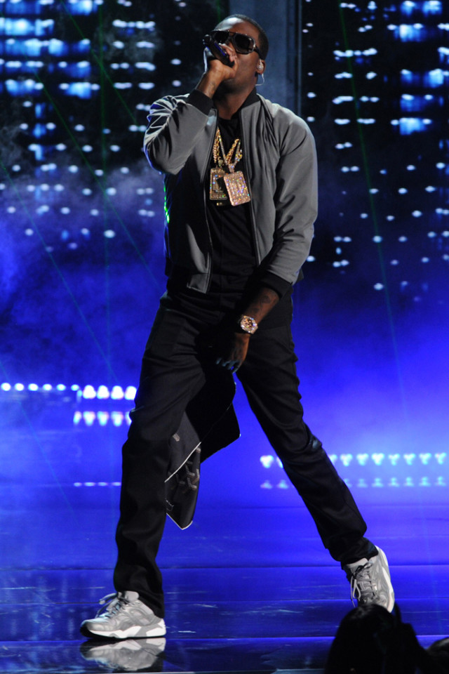 meek-mill-bet-awards-stage-style