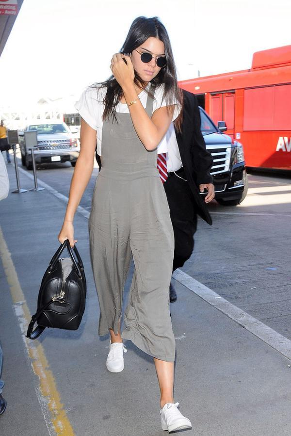 kendall-jenner-arrives-to-lax-on-pic211068