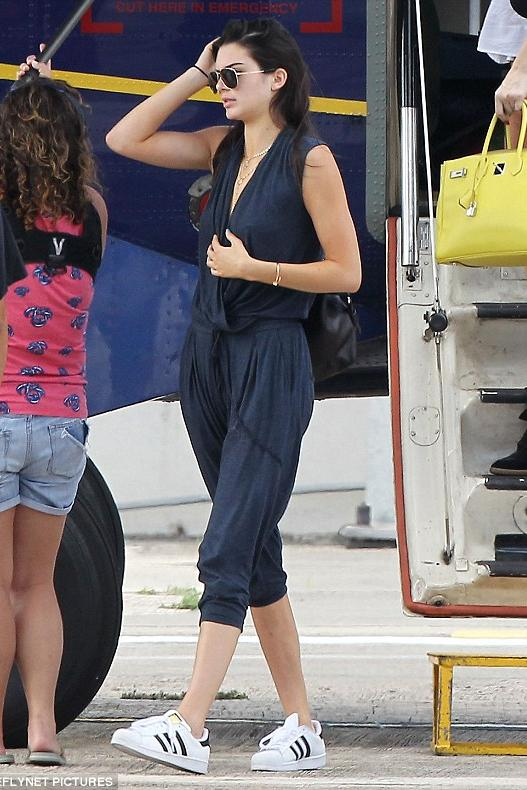 kendall-jenner-st-barts-pic211468