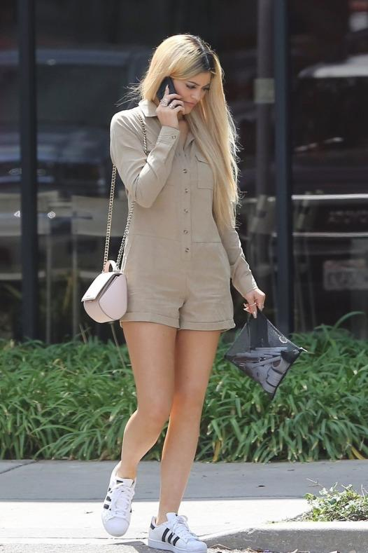 kylie-jenner-leaving-a-business-meeting-oxnard-ca-pic212988