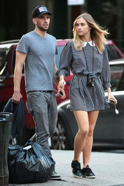 suki-waterhouse-with-aram-rappaport-pic214540