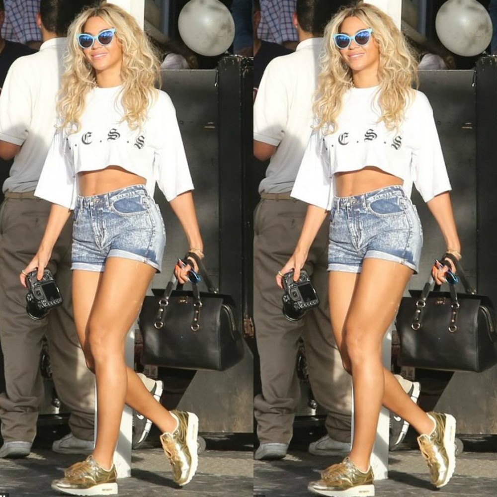 Fast forward to 2014 when the Knowles-Carter fam was spotted out and about in South Beach with matriarch Beyoncé showing off her toned physique in a pair of $81 Wildfox Couture Le Femme Deluxe Sunglasses, a $54 L.E.S.S Midi Crop, and these coveted  Nike Air Max 1 Liquid Gold Sneakers.