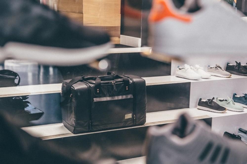 hex-sneaker-duffle-bag-01-1200x800-1024x682.jpg
