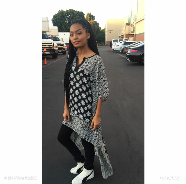 'Black-ish' star Yara Shahidi was picture perfect showing off a pair of Rihanna x Puma Eskiva Low sneakers.