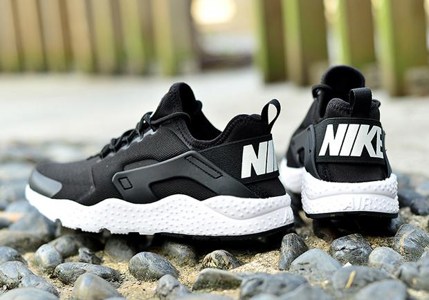 nike-air-huarache-ultra-black-white-04.jpg