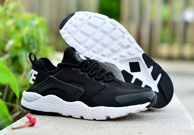 nike-air-huarache-ultra-black-white-03.jpg