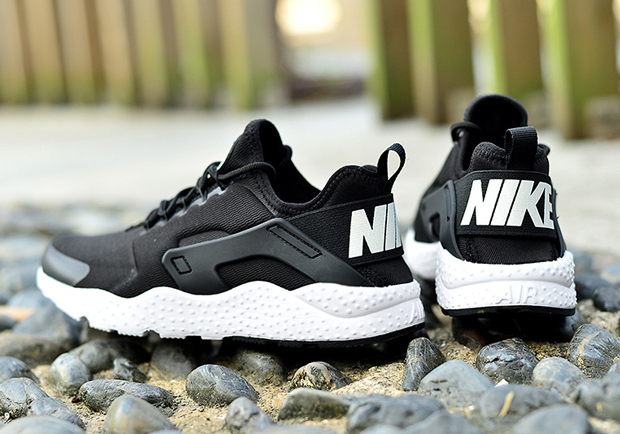 nike-air-huarache-ultra-black-white-04.jpg
