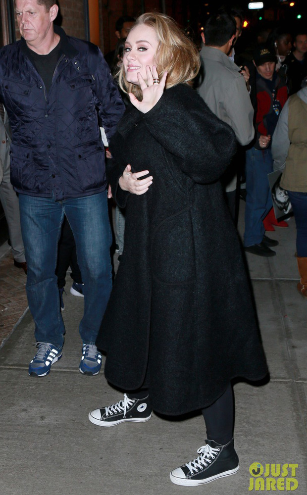 Adele in Converse Chuck Taylor Classics (photo: T.Jackson/INFPhoto)