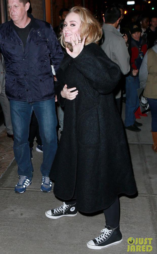 Adele in Converse Chuck Taylor Classics (photo: T.Jackson/INFPhoto)