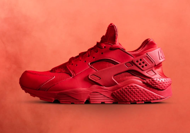 nike-footlocker-all-red-7.png