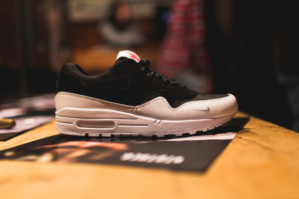 nike-air-max-1-the-6-toronto-07 - Copy.jpg