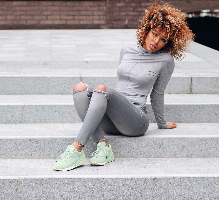 #ChicksNKicks Chick Of The Day:  @its_me_co  x New Balance 580 Elite Edition 'Mint'.