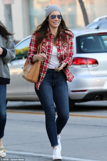 Jessica Biel stayed casual in  skinnies  and Adidas Stan Smith Sneakers.