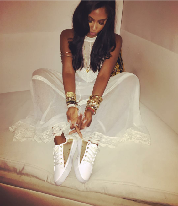 Sevyn Streeter kept it pretty darn angelic in a long lace number and a fresh pair of white and brown leather sneaks.  Gorge.