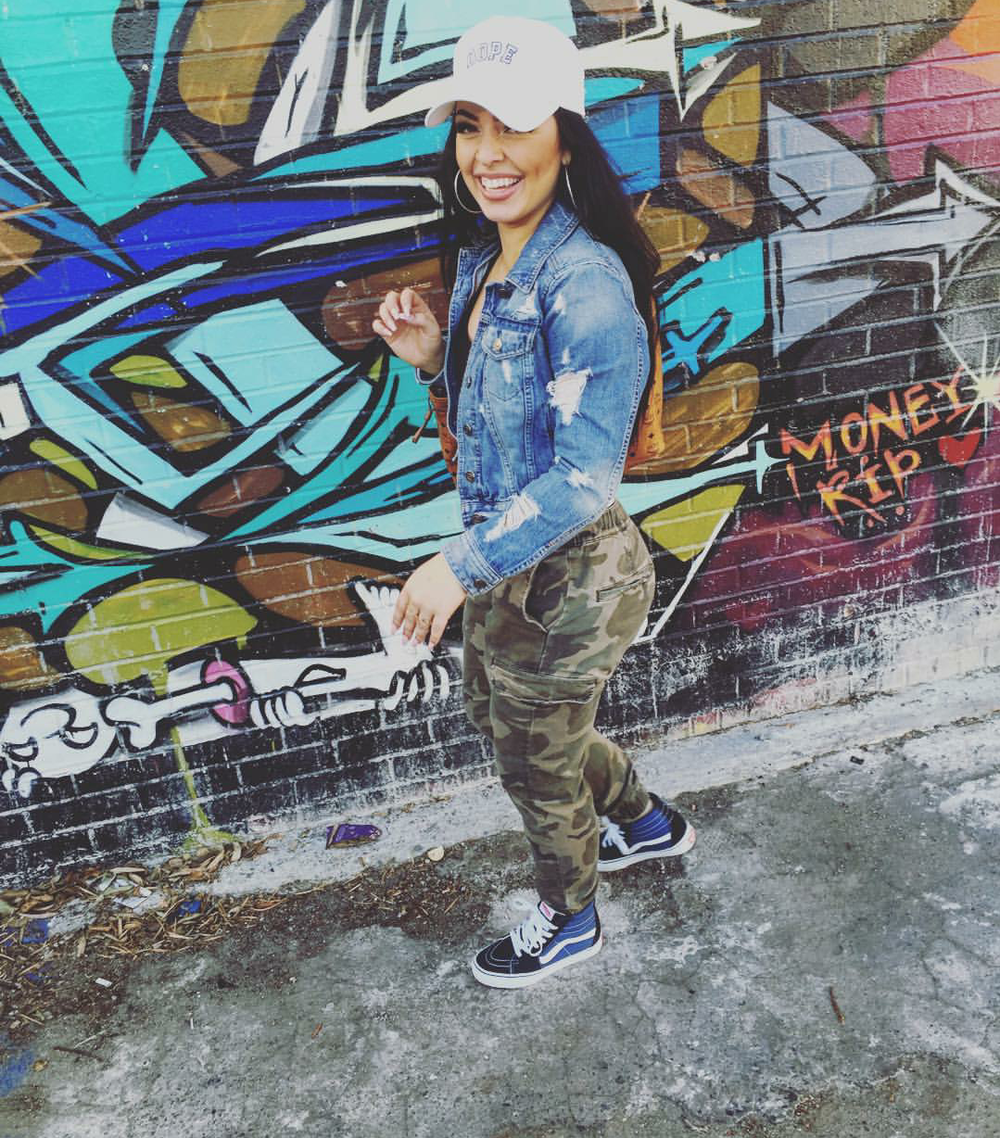 #ChicksNKicks Chick Of The Day: @riahlee_t x Vans SK8-Hi Slim