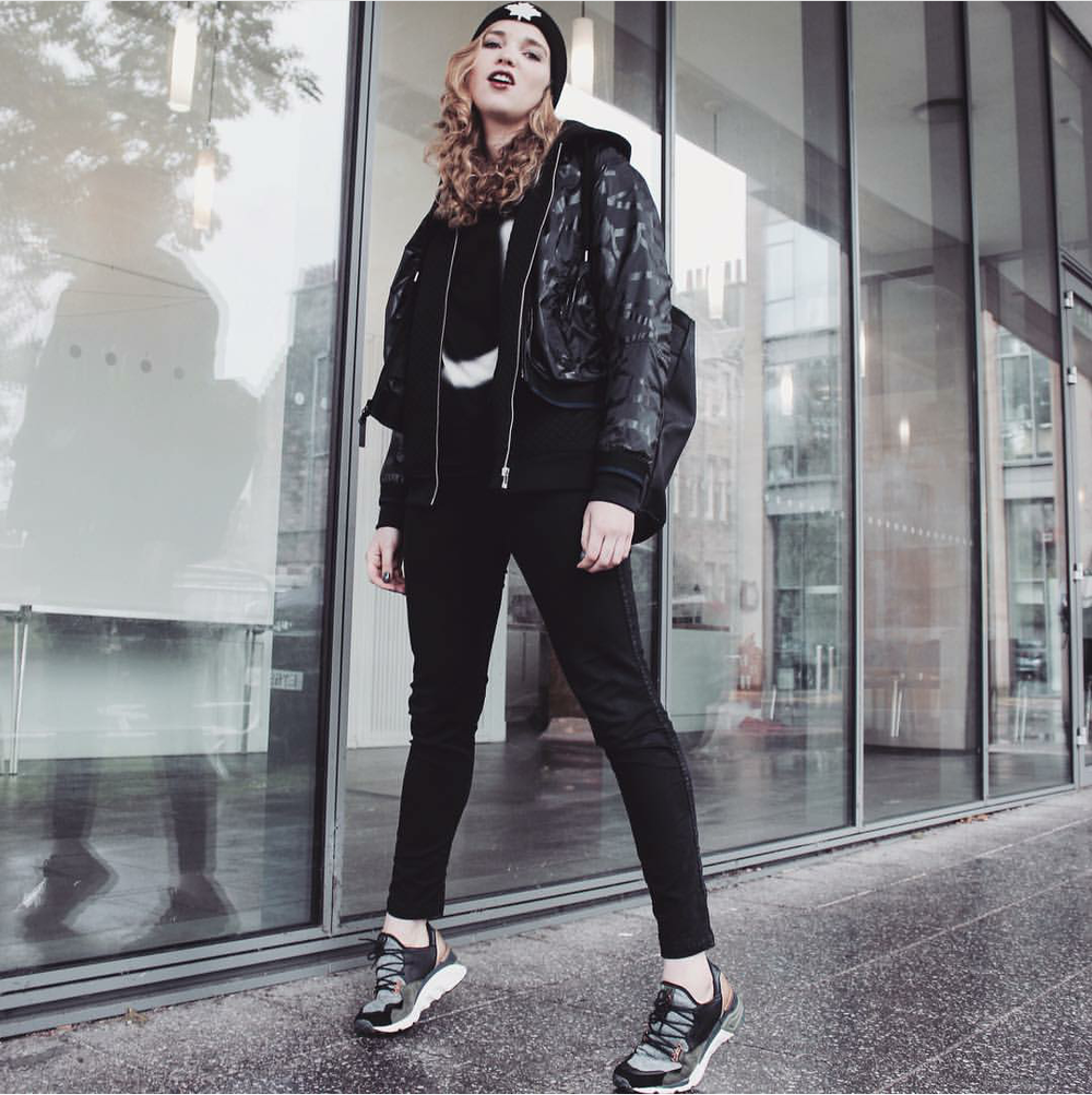 #ChicksNKicks Chick Of The Day: @stephieirwinx adidas Y-3 Wedge Sock Run Trainers.Photo: @tanyakrot