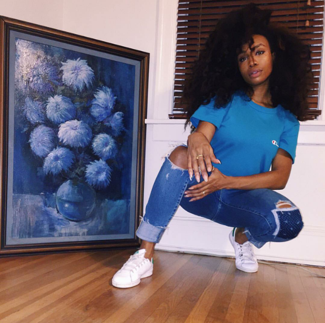 Ah! This hair! SZA gave us the best blues we could ask for as she stooped down to take a snap in her Stan Smith sneaks by adidas Originals. She's so epic.