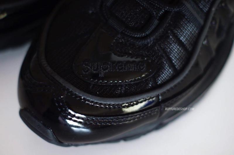 supreme-nike-air-max-98-black-3_o21p3d.jpg
