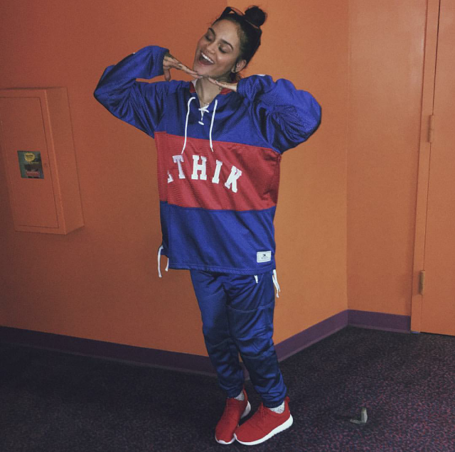We love us some Kehlani.  The singer was spotted getting ready for some Star Wars action in the Bay over the weekend decked out in all red Roshe One sneaks.