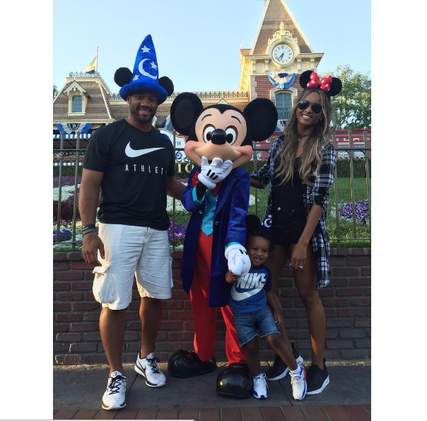 Ciara took to the most magical place on earth with son, Little Future, and fiance Russell Wilson.  We see you in those Nike Air Max Thea's Cici!