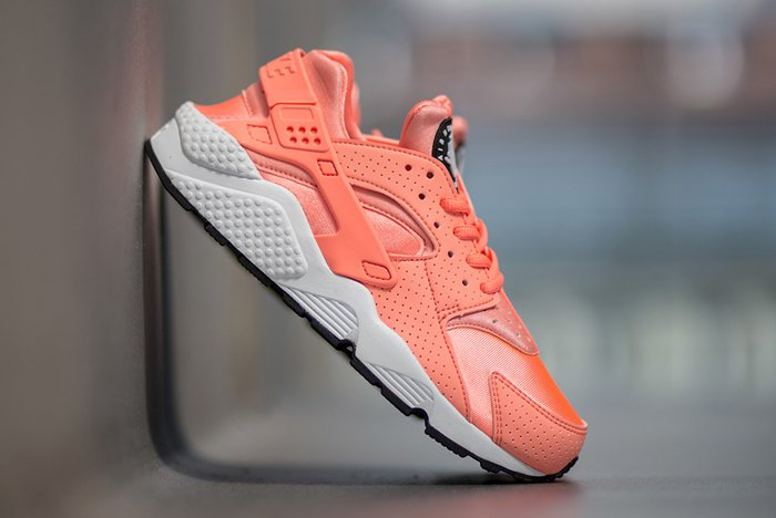 Wish List This Nike WMNS Air Huarache Run Is Summertime Fine