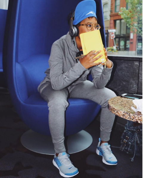 Dej Loaf continues to become one of our favorites with the fresh shoe game. This time, the Detroit mamacita opted for a bit of creativity in these fly Nike Air Presto sneaks.