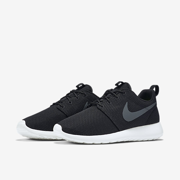 Nicky's Pick: Nike Roshe One (Black/White)