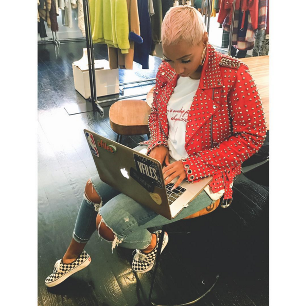 #ChicksNKicks Chick Of The Day: @rox_brown x Vans Authentic 'Checkerboard'