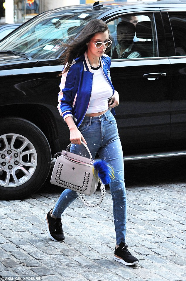 Bella Hadid was a visi on in the NikeLab Air Max 1 Royal.