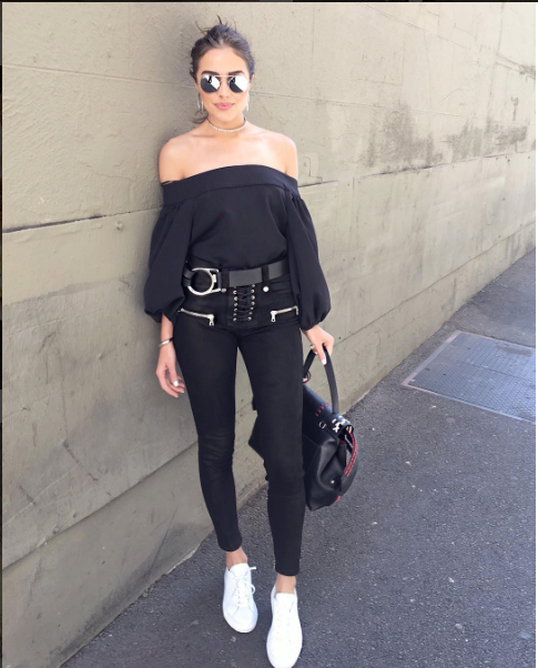 Olivia Culpo put together her sneaker style quite nicely this week, pairing Common Projects 'Achilles' Sneakers with a Tibi off-the-shoulder blouse and black skinnies. Tres chic!