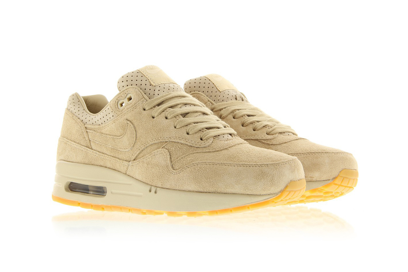reputable site 8a248 999ef Get Fall Ready In The Nike Air Max 1 Pinnacle