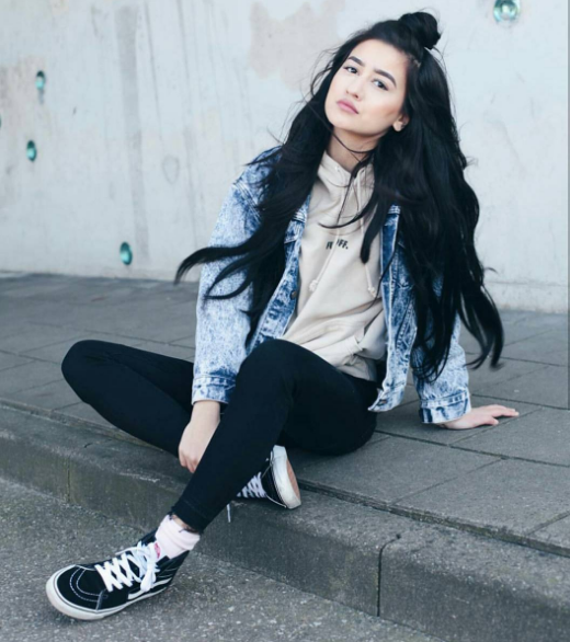 #ChicksNKicks Chick of the Day: @ginneynoa x Vans Sk8-Hi