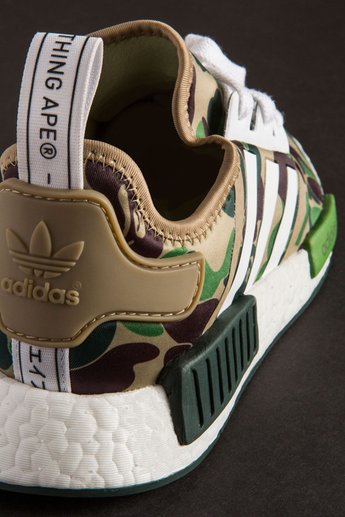 closer-look-a-bathing-ape-adidas-nmd-r1-9.jpg